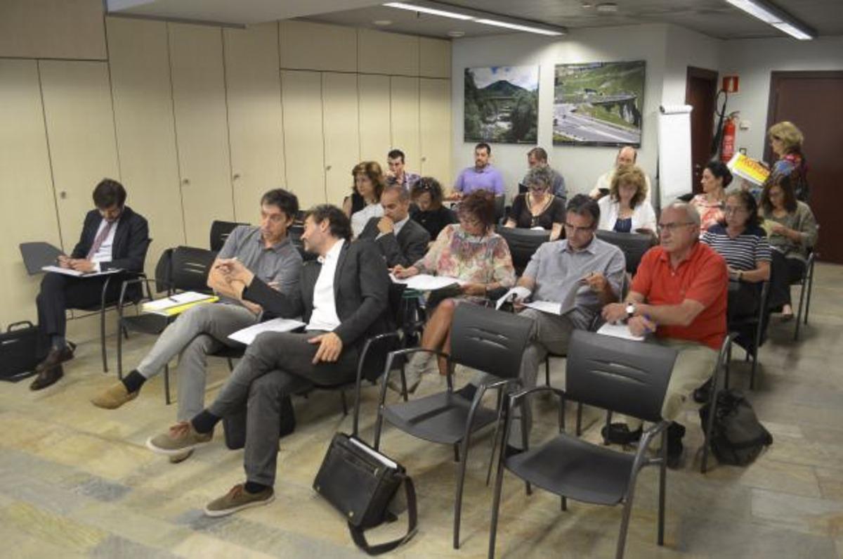 Imatge d'una assemblea general de la Societat de Gestió Col·lectiva de Drets d'Autor i Drets Veïns.