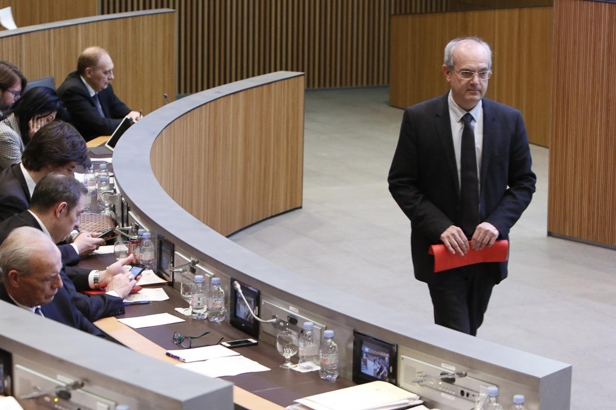 """El ministre de Salut, Carles Álvarez, va defensar una modificació """"per garantir l'assistència i les prestacions de manera sostenible""""."""