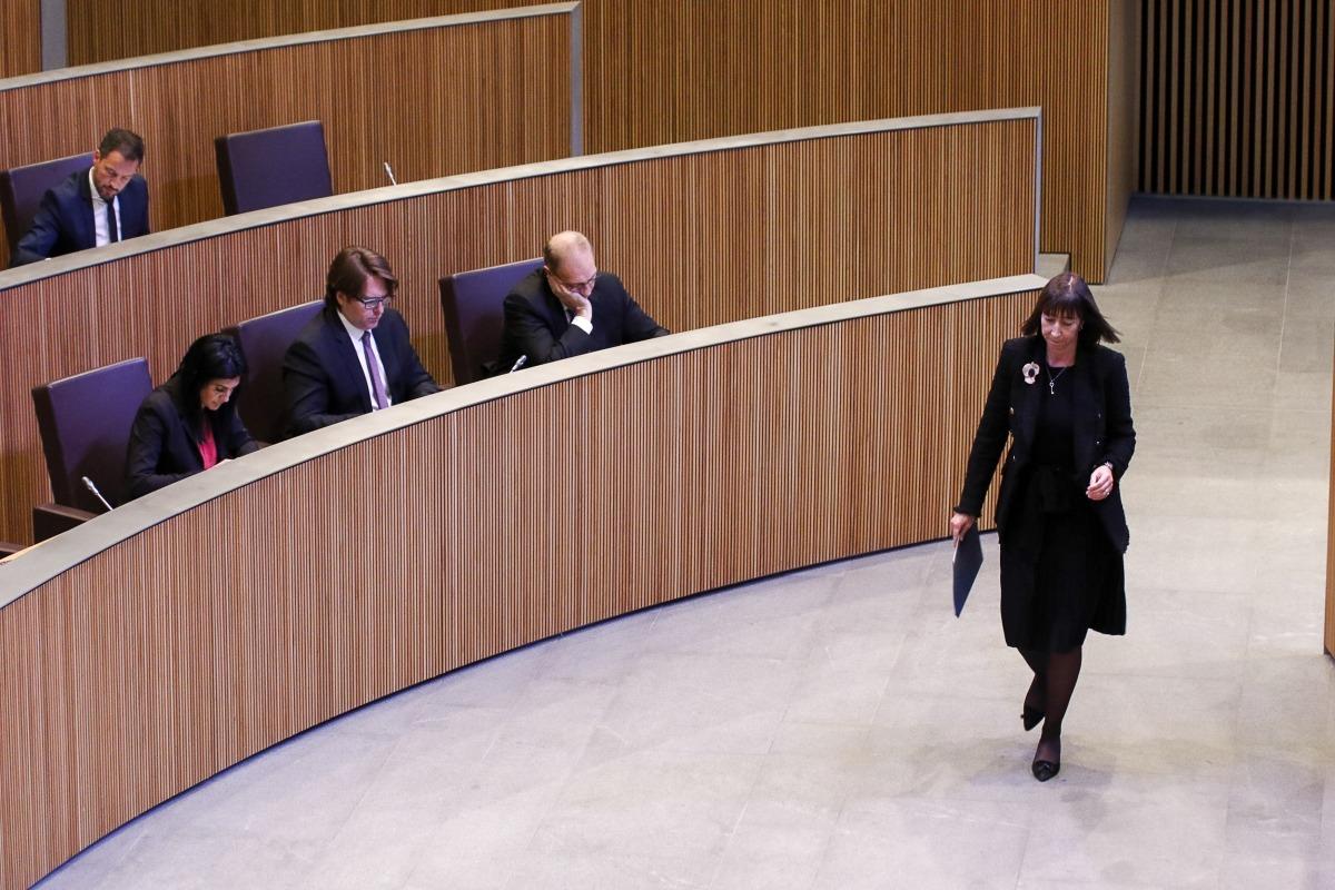 La ministra Eva Descarrega va defensar un projecte de llei que no comparteix cap de les formacions de l'oposició.