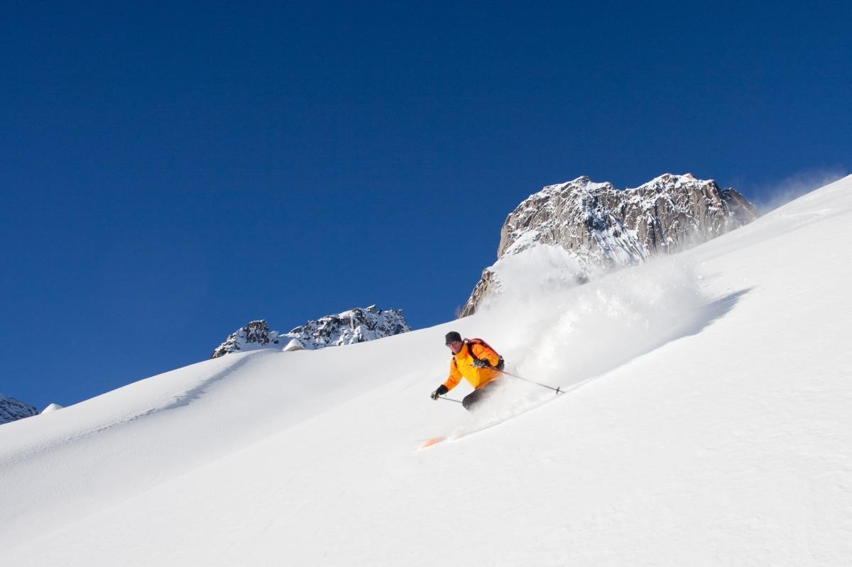 Prohibir l'esquí de muntanya quan hi hagi una alta afluència d'esquiadors