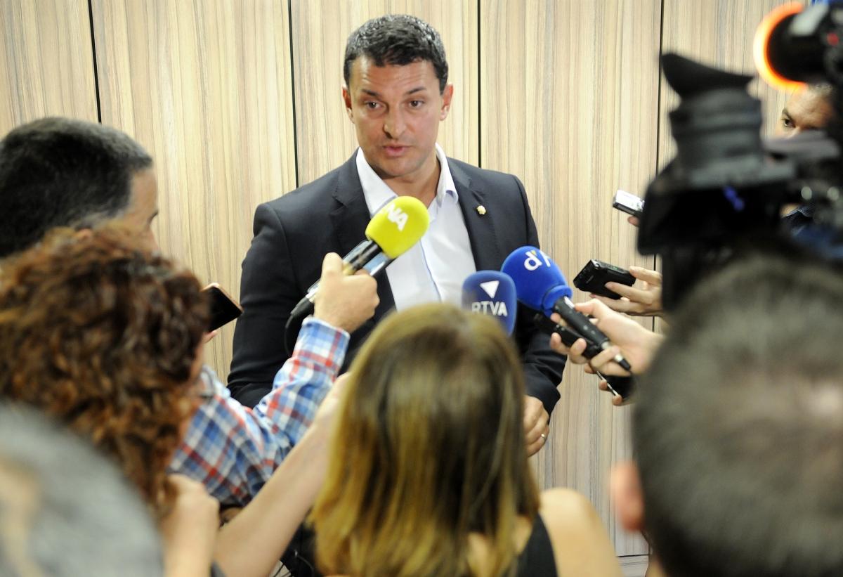 El ministre de Presidència, Economia i Empresa, Jordi Gallardo, en la compareixença d'ahir.