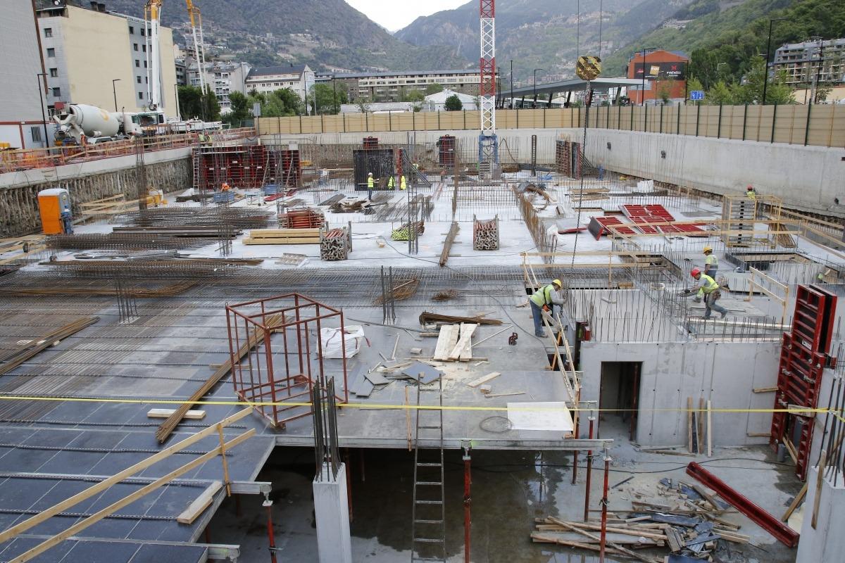 Més permisos però la superfície autoritzada d'obra nova cau el 8,1%