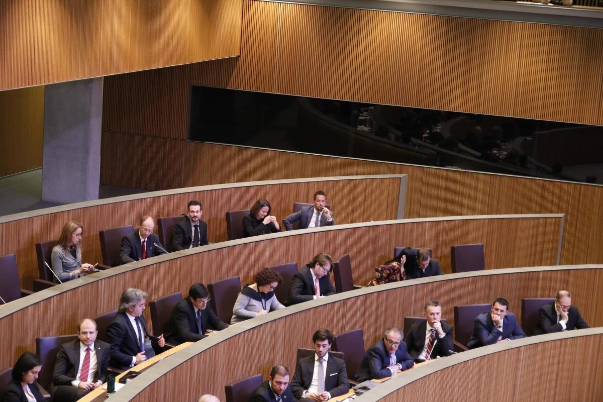 L'oposició diu que les xifres d'inversió estrangera constaten el fracàs de DA