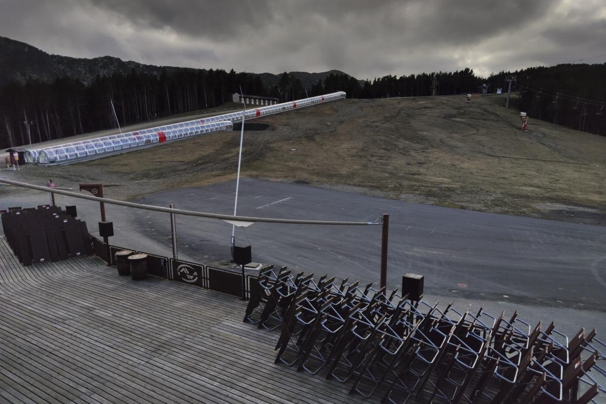 Les pistes de Pal Arinsal totalment tancades i sense neu, fa pocs dies.