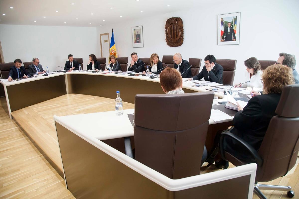 El consell de Comú d'Andorra la Vella va aprovar adjudicar les obres de tres trams de Meritxell, ahir.