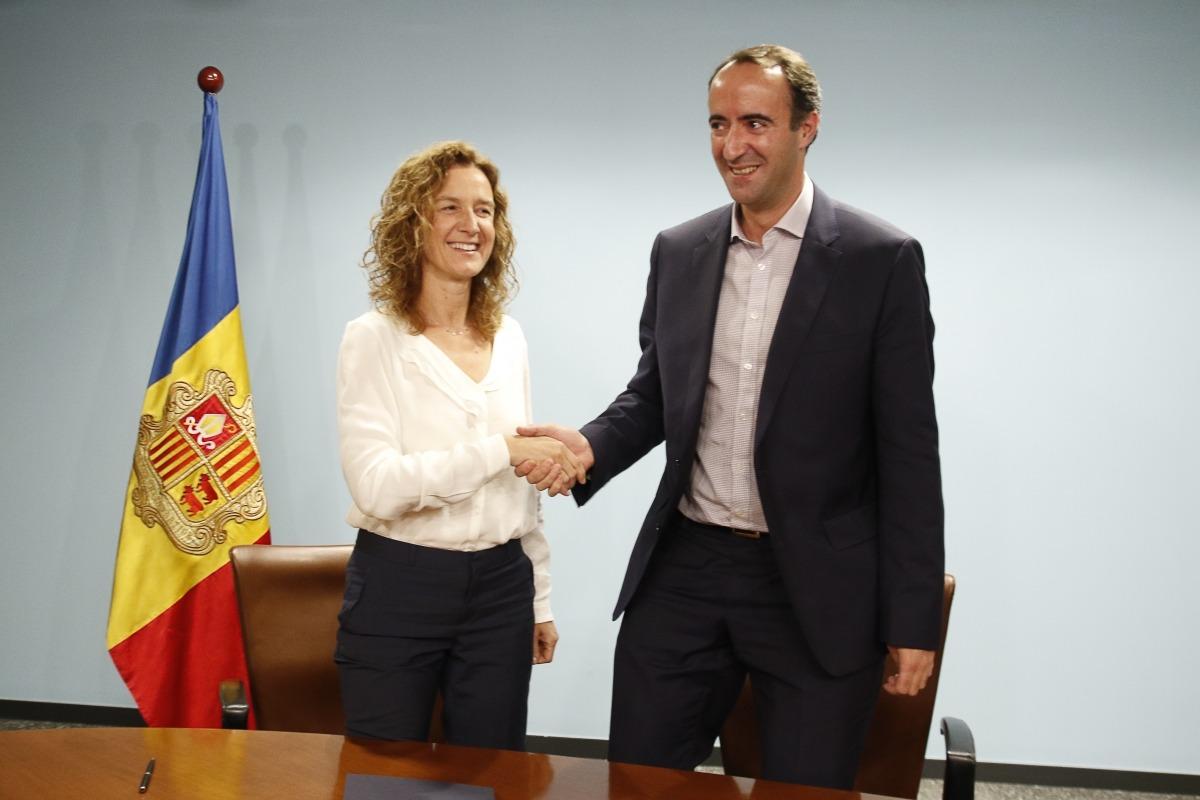 Calvó i Baró van signar ahir dos convenis sobre el refugi del Comapedrosa i el camí ral de la Massana.