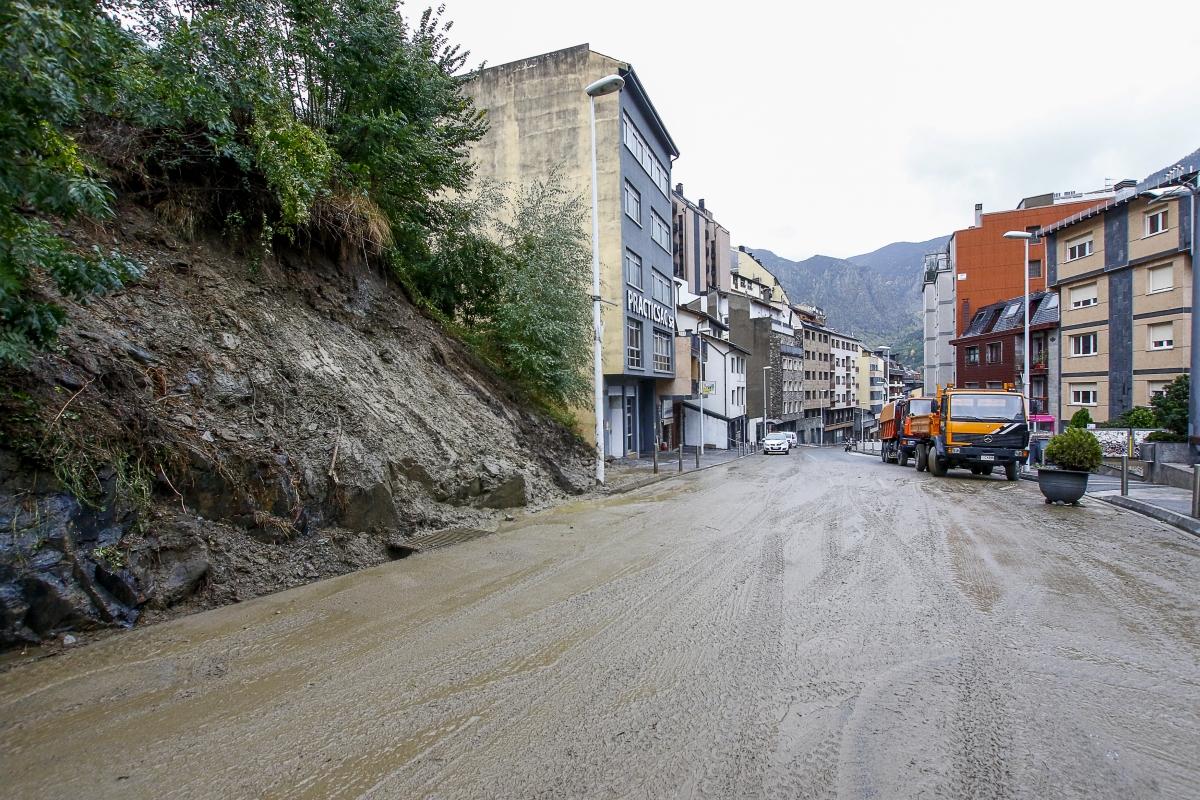 La zona de Fiter i Rossell on es va produir una esllavissada que va obligar a tallar el trànsit, ahir.