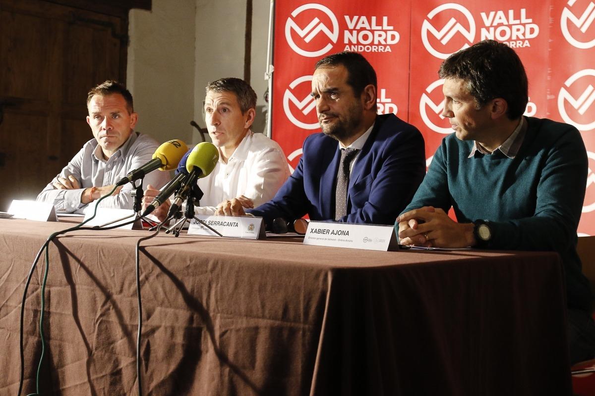 Marticella i Ajona amb els consellers de Turisme de la Massana i Ordino, Sergi Balielles i Jordi Serracanta, ahir.