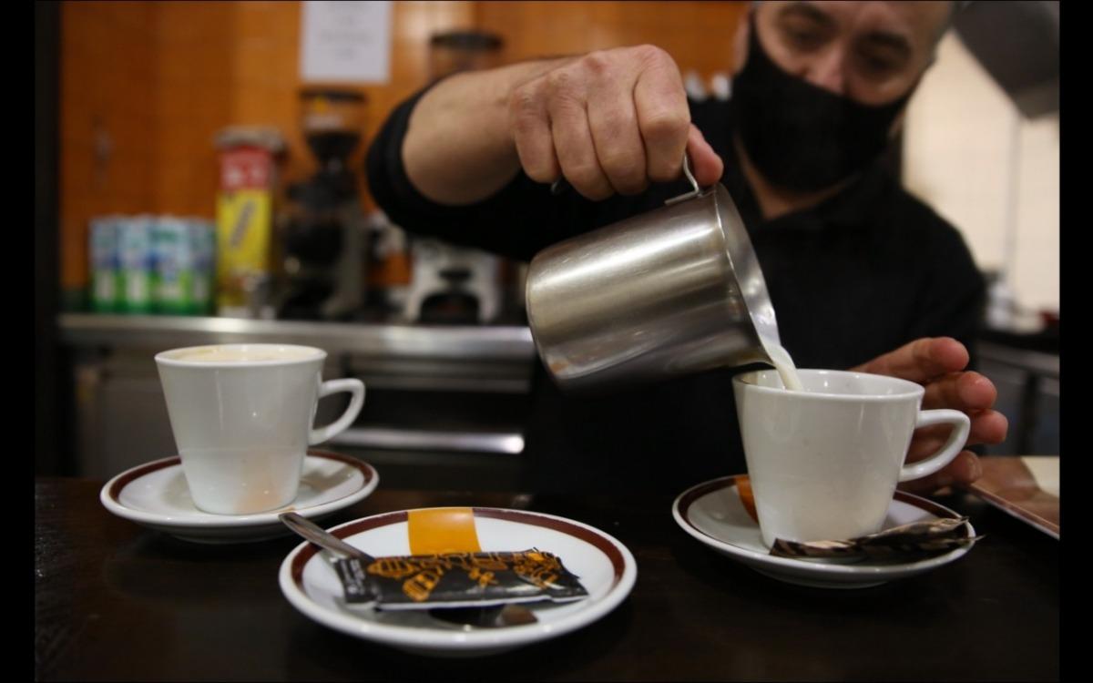 ars i cafeteries poden obrir fins a les 8 del vespre des de fa 10 dies.