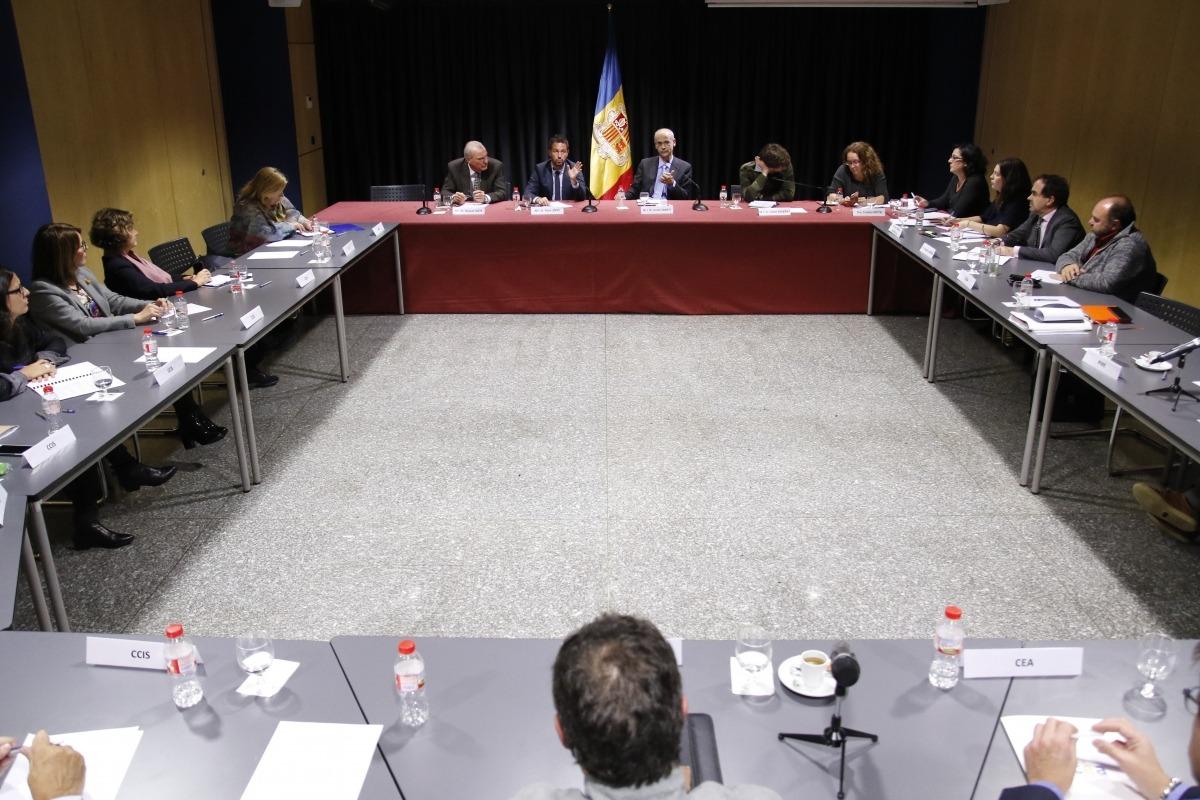 """Martí manté que cal """"una reflexió"""" sobre la proposta de la UE pel tabac"""
