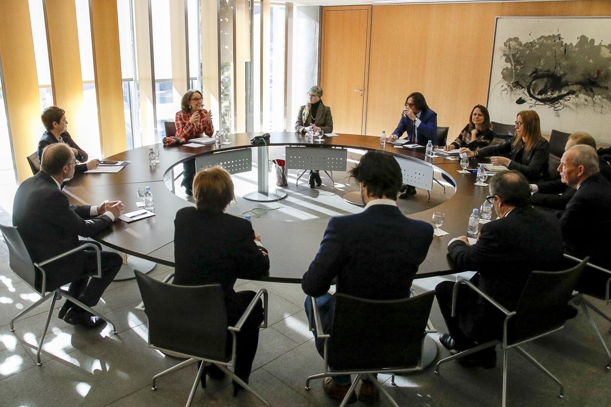 La secretària general iberoamericana, Rebeca Grynspan, es va reunir amb representants de tots els grups parlamentaris.