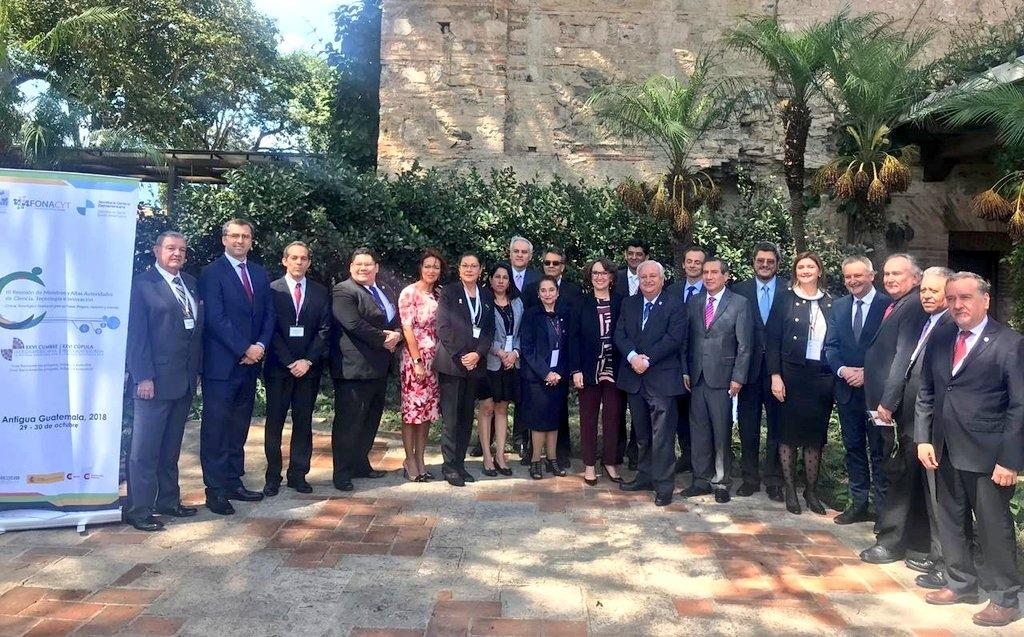 Saboya amb els seus homòlegs iberoamericans a la Antigua Guatemala.