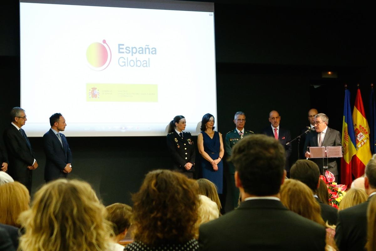 Un moment del discurs ofert per Ros en la recepció amb motiu del Dia Nacional d'Espanya, ahir.