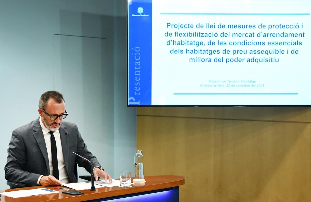 El ministre de Territori i Habitatge, Víctor Filloy, ha explicat aquesta tarda la nova llei de mesures en matèria d'habitatge i poder adquisitiu.