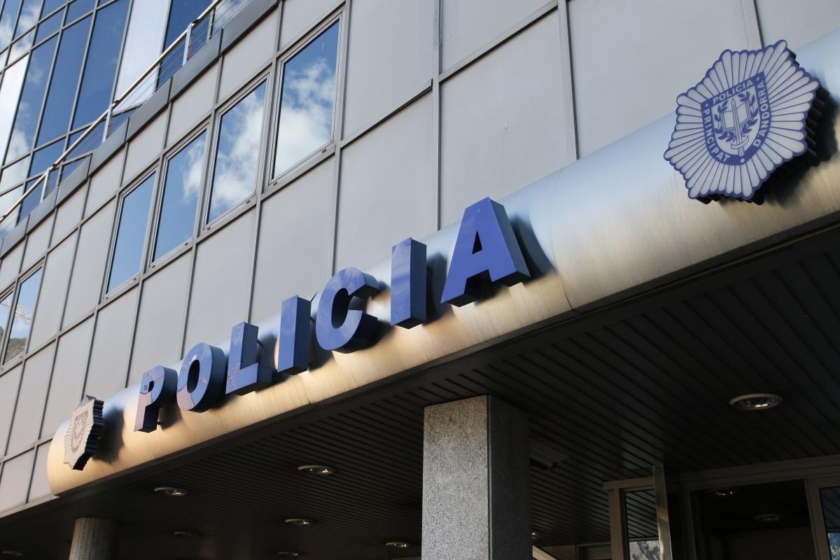 El despatx central de policia.