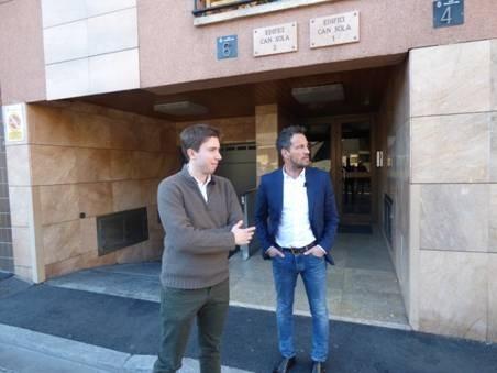 Roger Padreny i Pere López en la presentació ahir de les polítiques d'habitatge del PS.