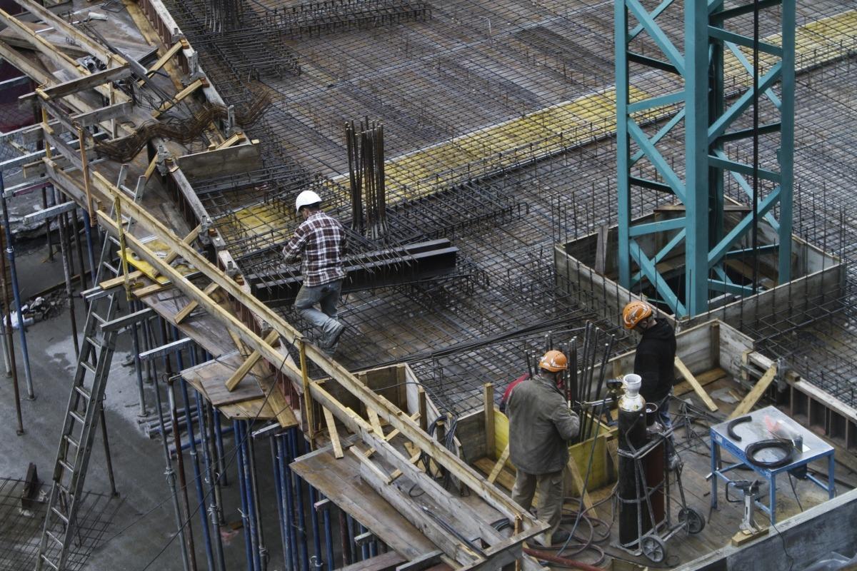 La construcció que havia liderat la recuperació els darrers anys ha davallat un 23,5% el segon trimestre.