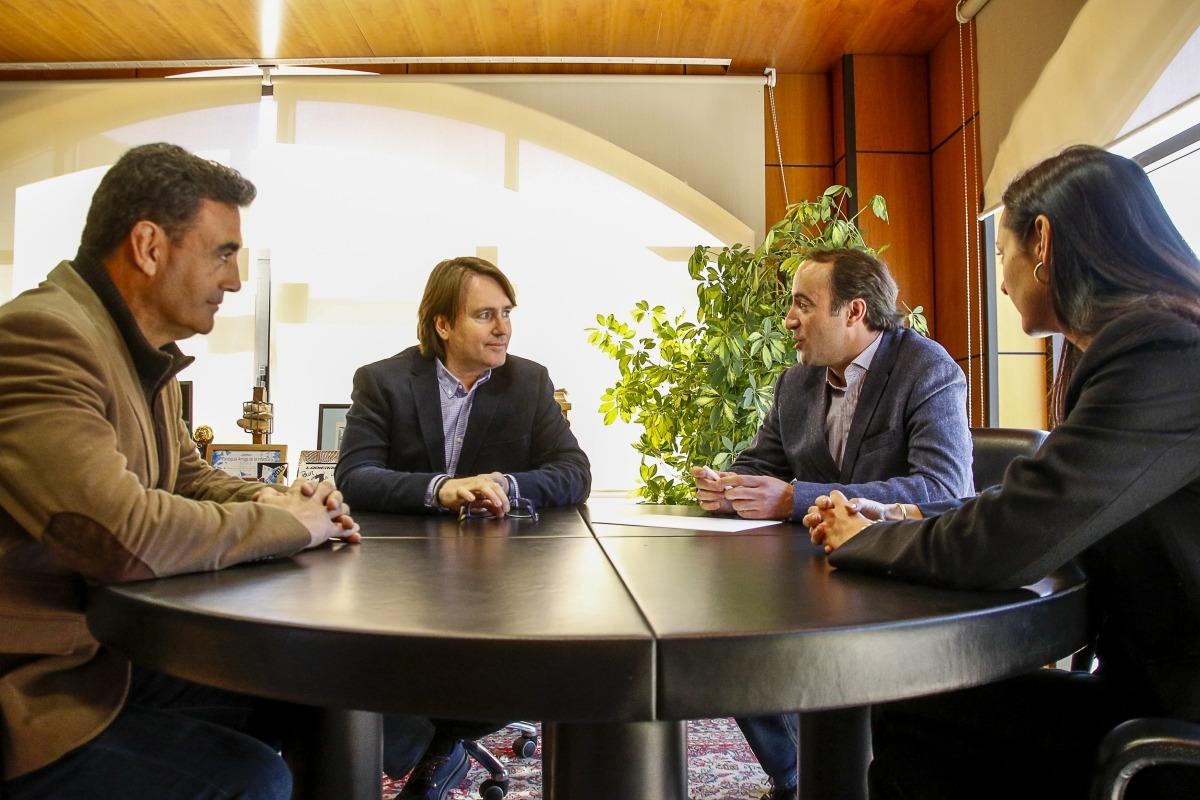 Naudi i Ferré es van reunir ahir amb els cònsols de la Massana, David Baró i Olga Molné.