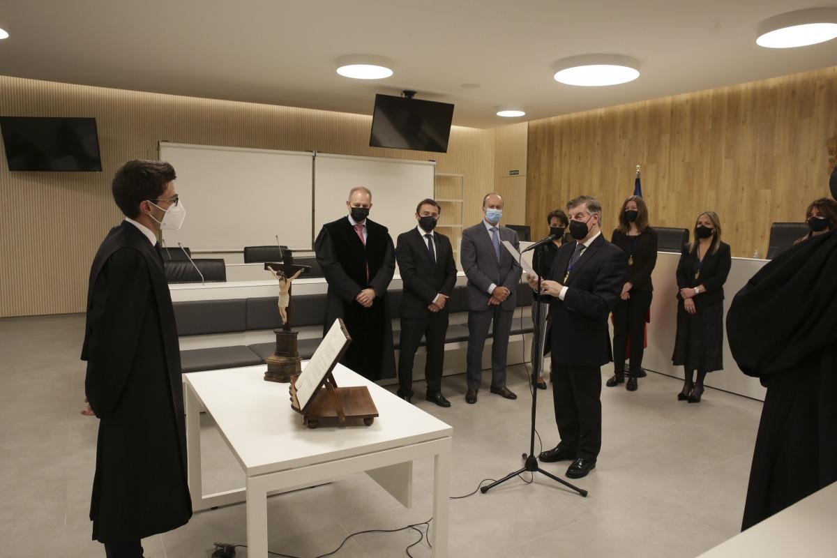 El fins ara secretari judicial de la fiscalia Sergi Costa va jurar ahir com a nou batlle.