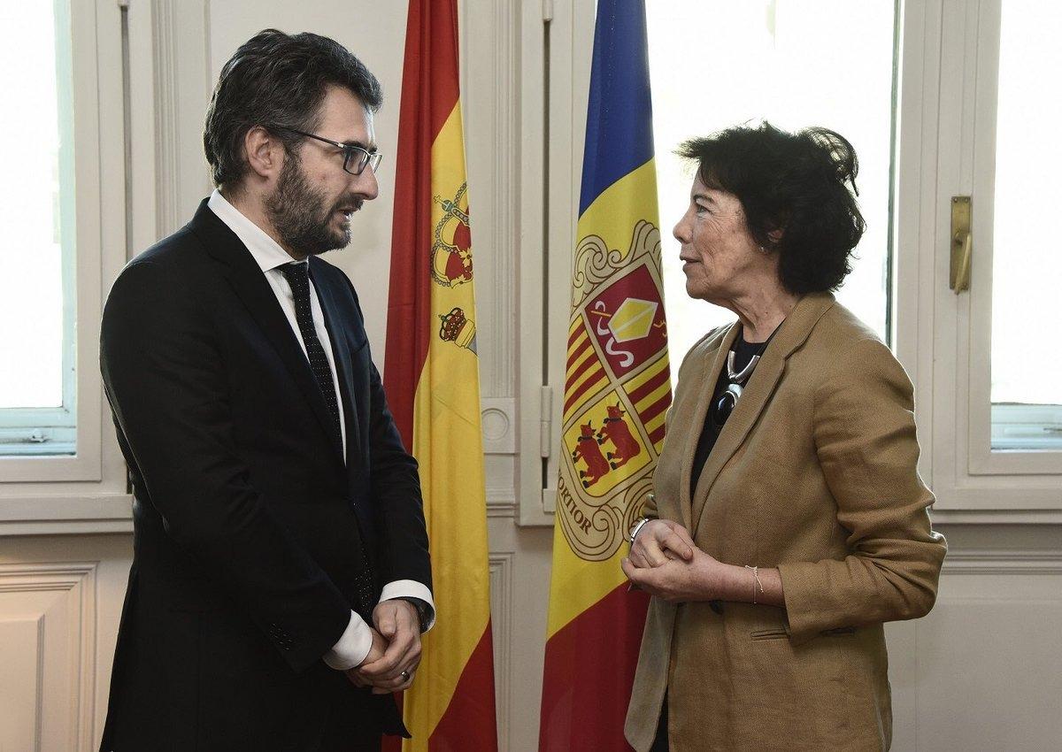 Eric Jover i Isabel Celaá durant la reunió que van mantenir dimarts passat.