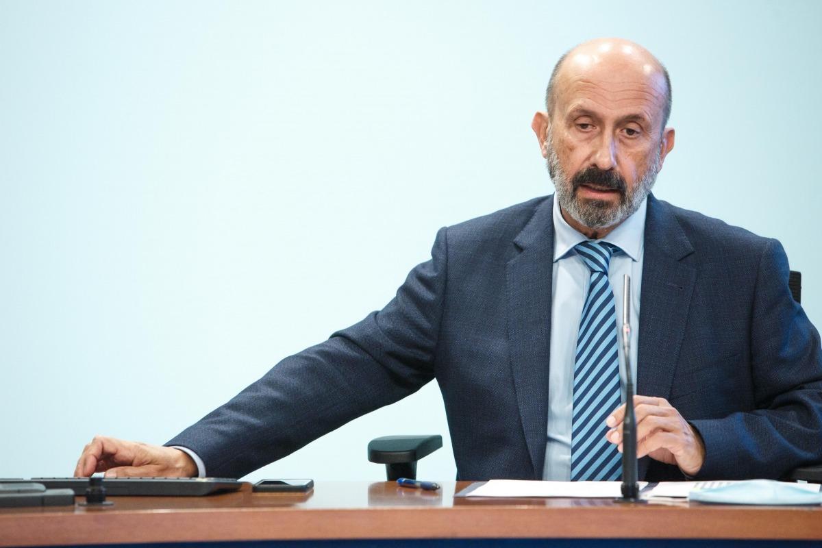 El titular de Salut, Joan Martínez Benazet, en la compareixença d'ahir posterior al consell de ministres