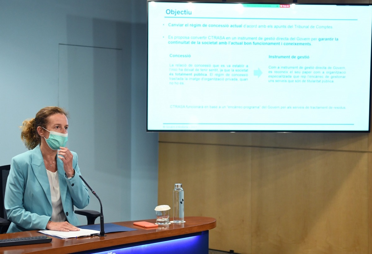 La ministra de Medi Ambient, Agricultura i Sostenibilitat, Sílvia Calvó, ha exposat la llei.