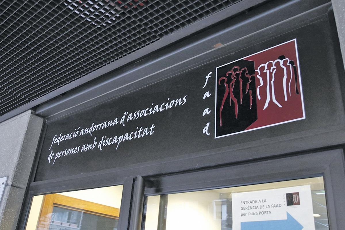 El 23 de març les associacions federades i no federades van rebre un esborrany dels estatuts modificats.