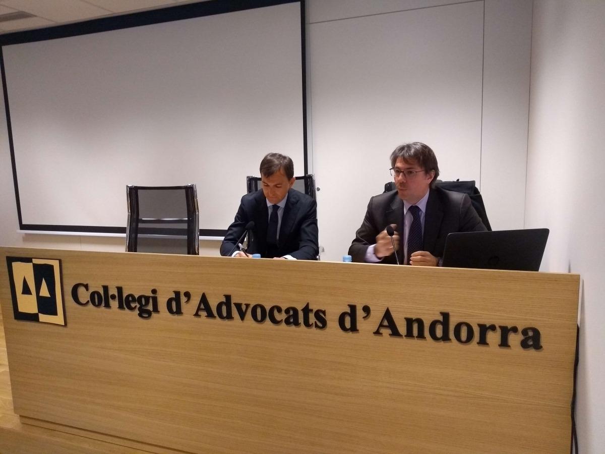 Marc Vilallonga, vicepresident de l'AATF i Àngel M. Ceniceros, cap del Gabinet d'Estudis de la Delegació Catalana (Aedaf), ahir.