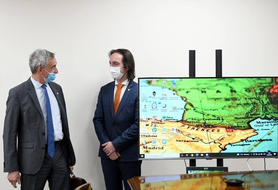 Didier Lenoir amb el secretari d'Estat d'Afers Europeus, Landry Riba.