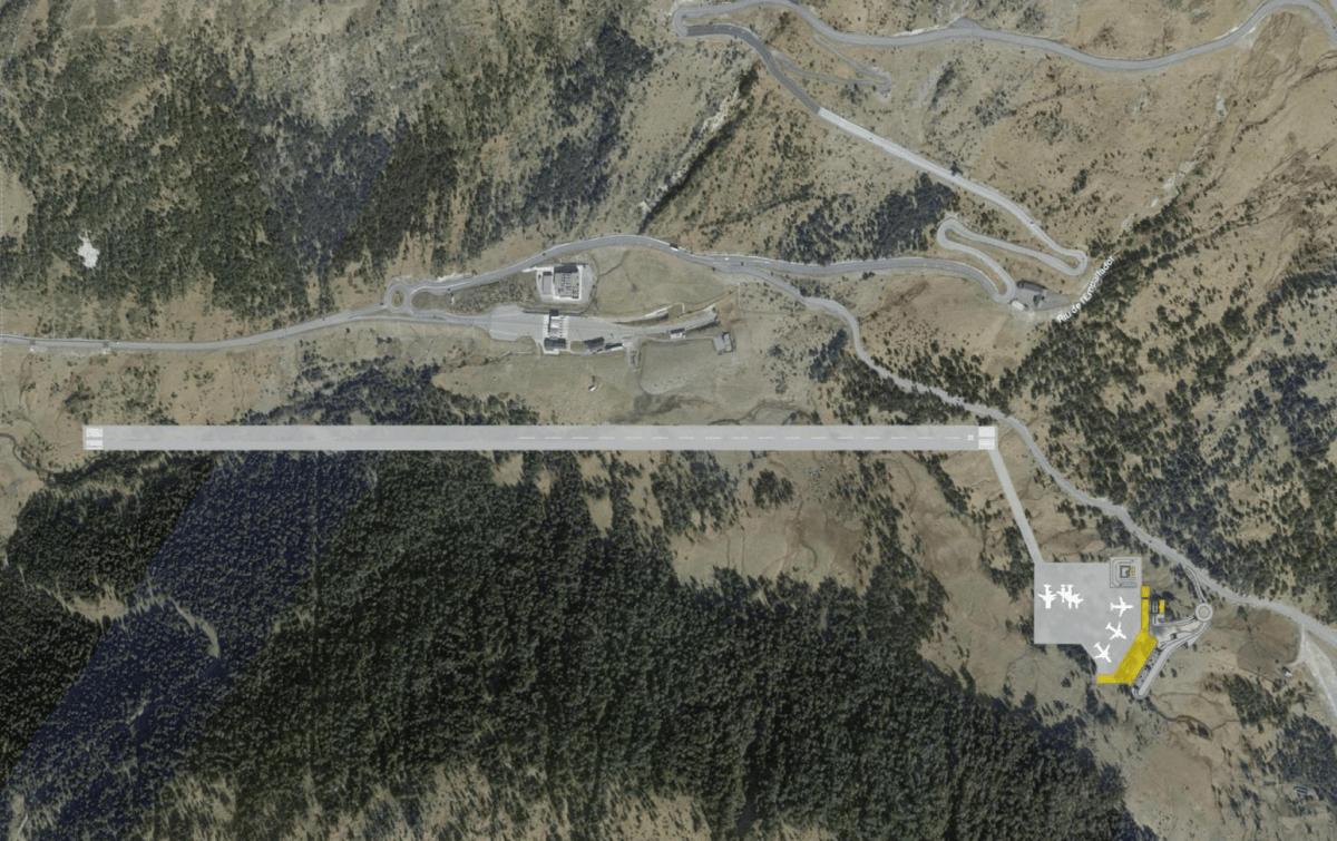 Vistga de la pista de l'aeroport de Grau Roig.