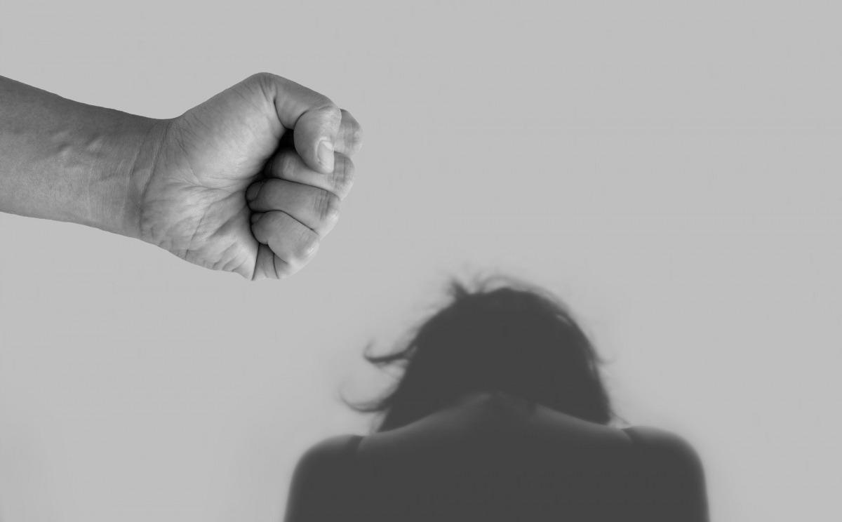 La tipificació del delicte de violència de gènere preveu que tan sols es consideri quan és contra les dones.