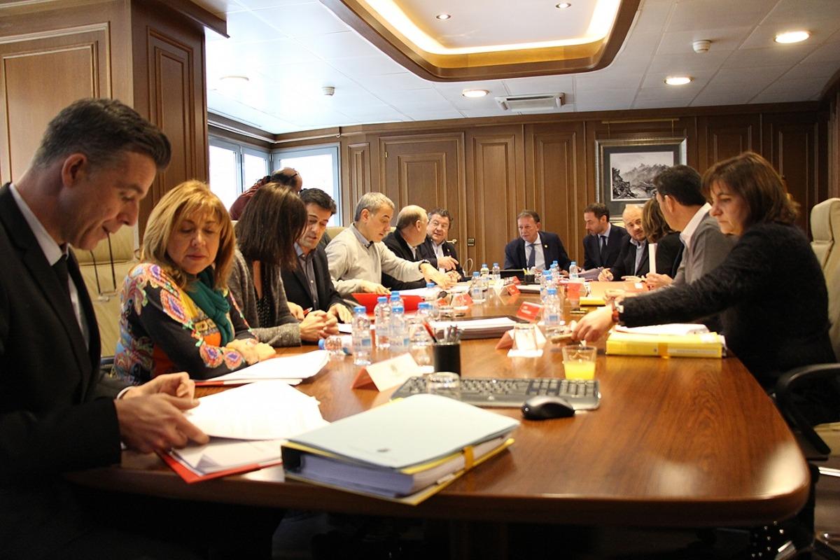 Els cònsols en finalitzar la reunió mensual i que ahir va tenir lloc a Sant Julià de Lòria.
