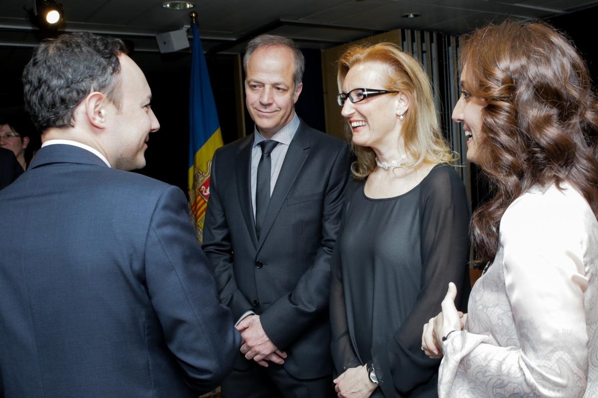 Xavi Granyó, Lourdes Alonso i Goretti López el dia que van jurar com a saig.