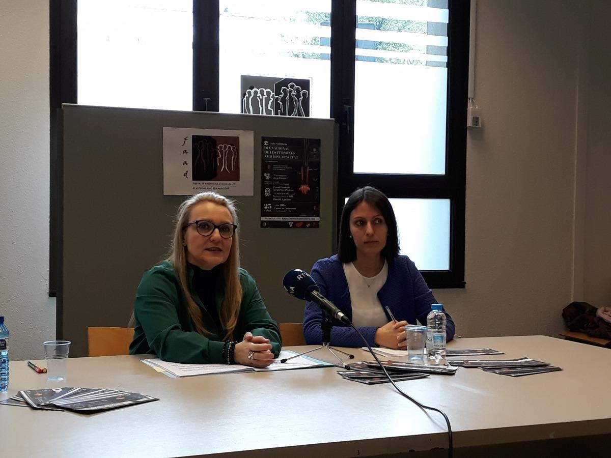 Anna Parramon i Raquel Guàrdia en la presentació de la gala, ahir.