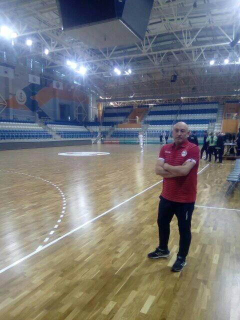 Enrique Rubio, en un dels desplaçaments amb la selecció de futbol sala.