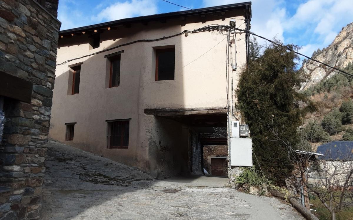 Antic edifici escolar de Sant Joan Fumat, segons el bloc de Mora.
