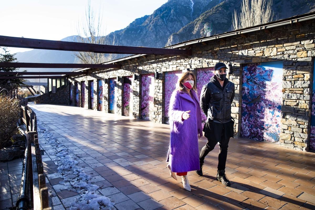 Marsol i Shangti passejant al Parc central, abans de la roda de premsa,