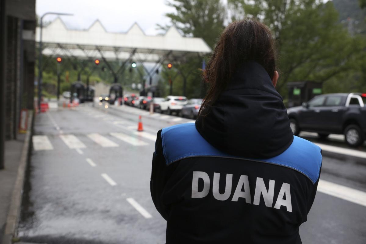L'impacte de la Covid-19 continua notant-se en els ingressos de la Duana.