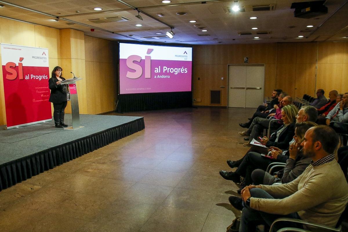 Meritxell Pujol va ser l'encarregada de presentar la candidatura territorial de Progressistes-SDP, ahir al Centre de Congressos.