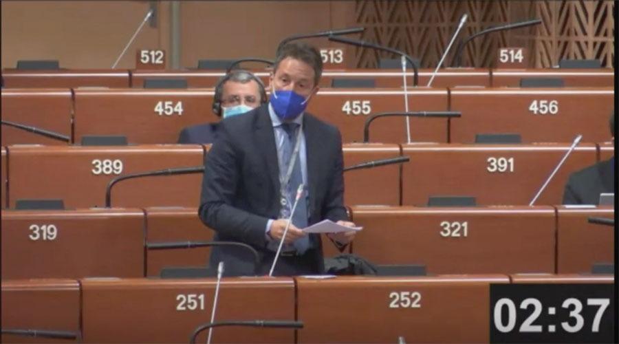 Un moment de la intervenció de Pere López a la sessió de l'APCE.