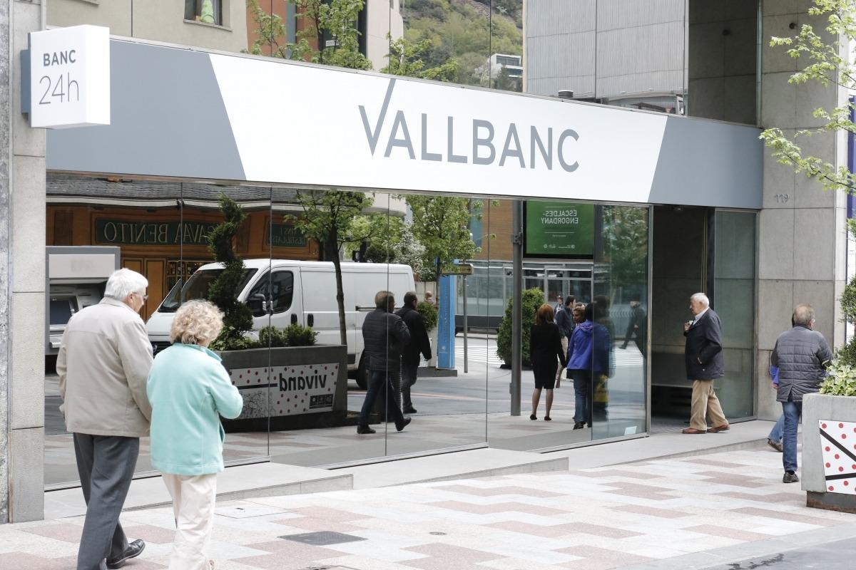 Nou traspàs de clients de BPA a Vall Banc per uns 100 milions d'euros
