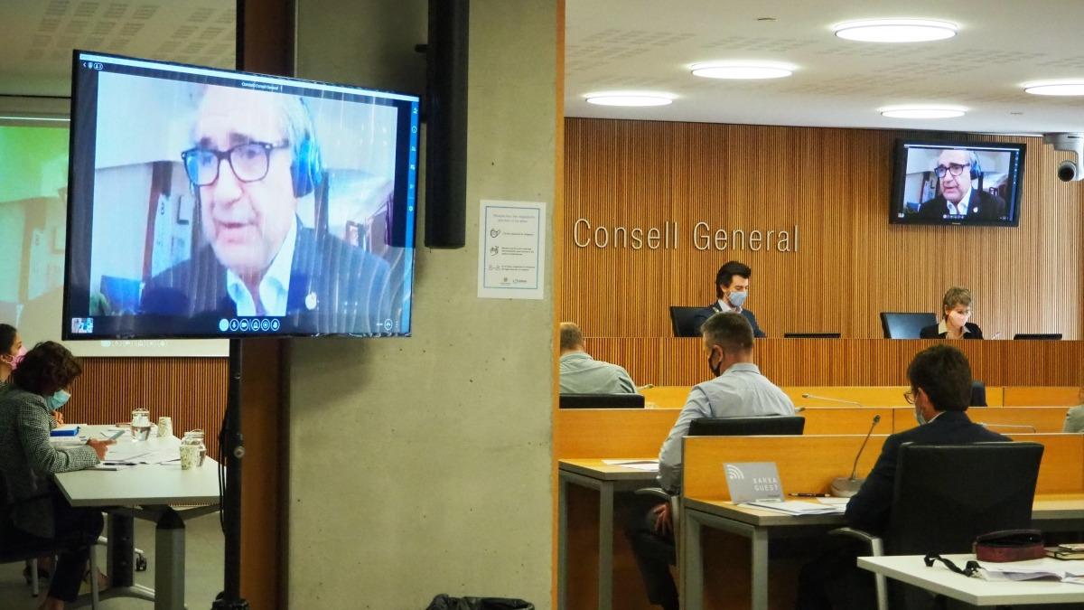 L'economista José Antonio Herce en un moment de la seva participació telemàtica a la comissió d'estudi per les pensions.