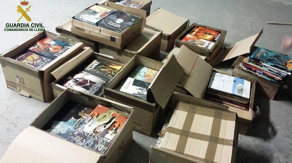 La guàrdia civil comissa 576 còmics francesos valorats en 7.665 euros