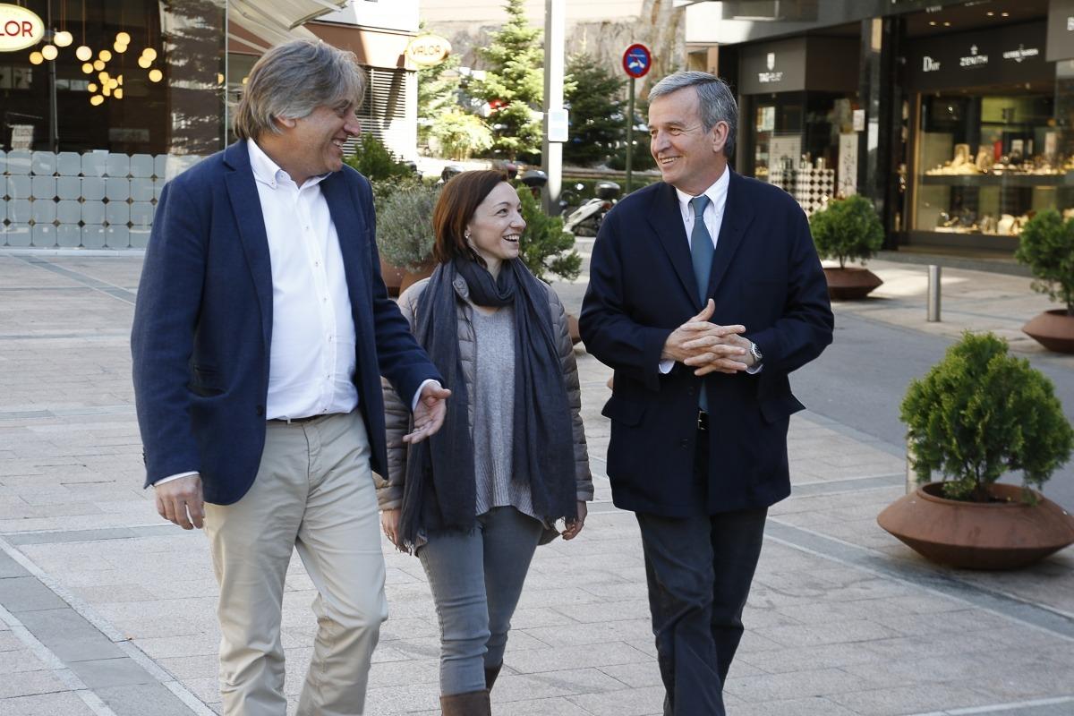 Eusebi Nomen, a la dreta, va presentar ahir el programa d'Andorra Sobirana.