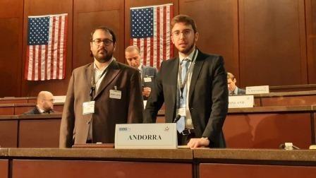 Carles Sánchez i Roger Padreny al seminari de l'OSCE.