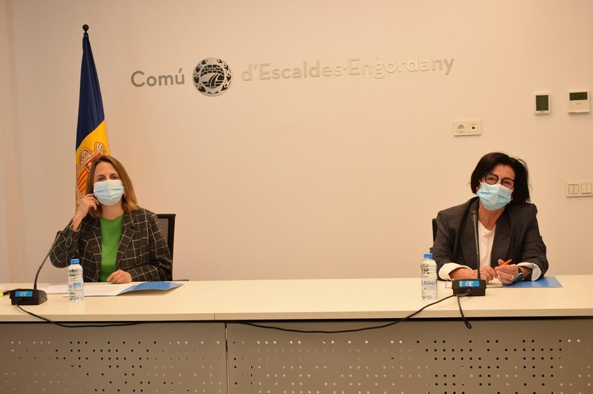 Gili i Mata en la presentació de les prestacions socials que aprovarà avui el Comú d'Escaldes-Engordany.