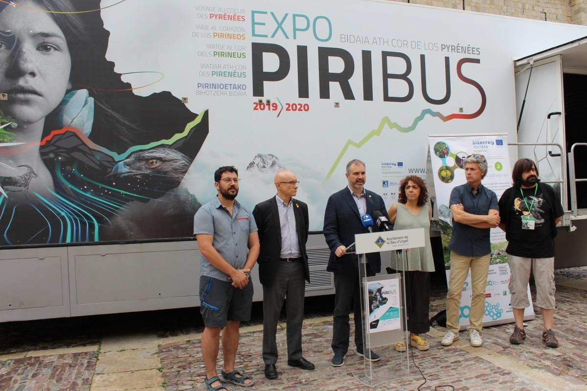 Un moment de l'acte d'obertura del Piribus amb les autoritats.