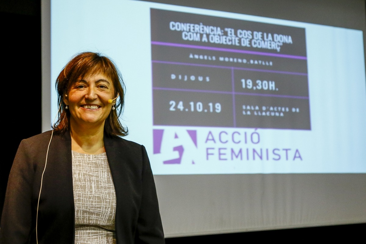 Àngels Moreno va pronunciar la xerrada al centre cultural La Llacuna, ahir a la tarda.