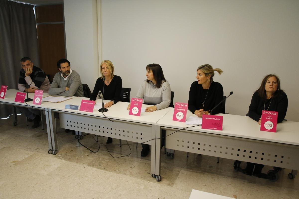 Andorra Telecom cedeix l'SMS social per a projectes solidaris de cinc entitats