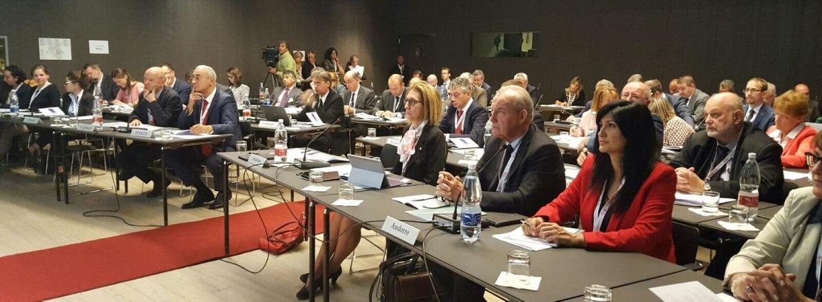 L'APF exigeix el manteniment de les institucions de Catalunya